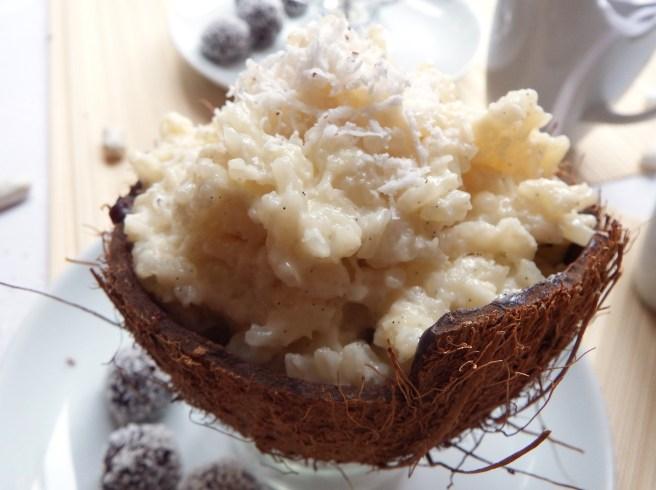 Riz au lait façon Bounty à la noix de coco fraîche et au chocolat au lait