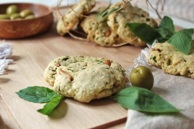 Cooki salés pour apéritif aux olives, basilic et pignons de pin de Madamcadamia