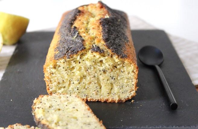 Cake moelleux citron pavot et sésame