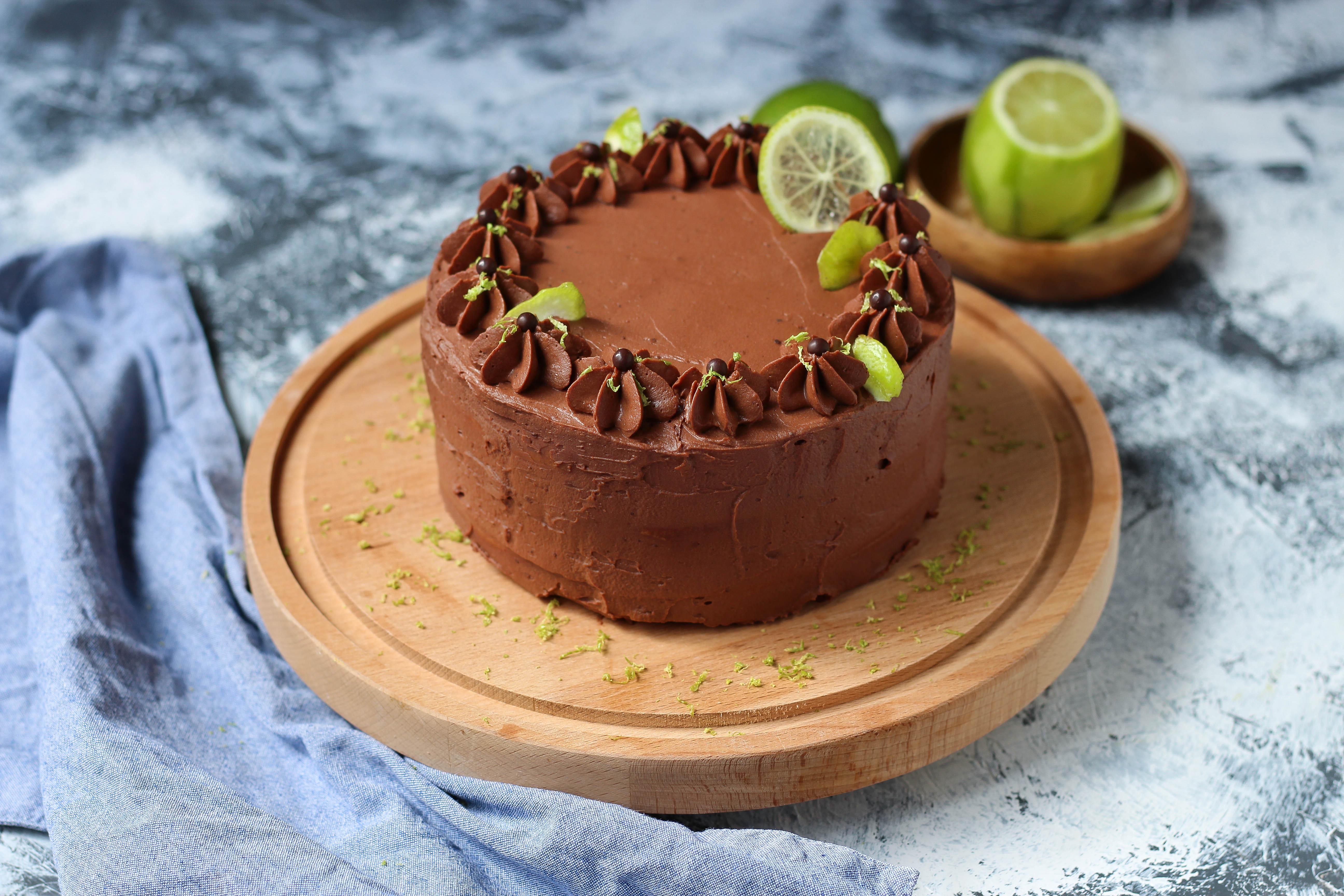 Layer cake chocolat et citron vert - photography