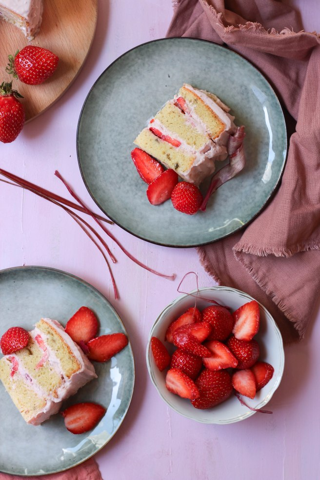 Layer cake fraises & rhubarbe - photography