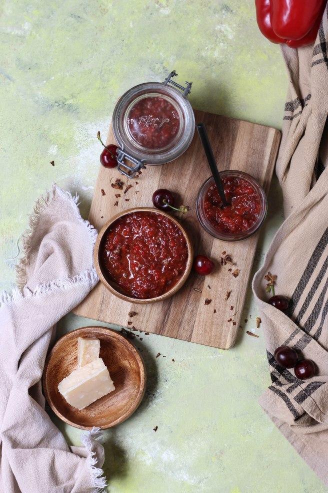 Tapenade poivron et cerises pour l'apéritif - photography