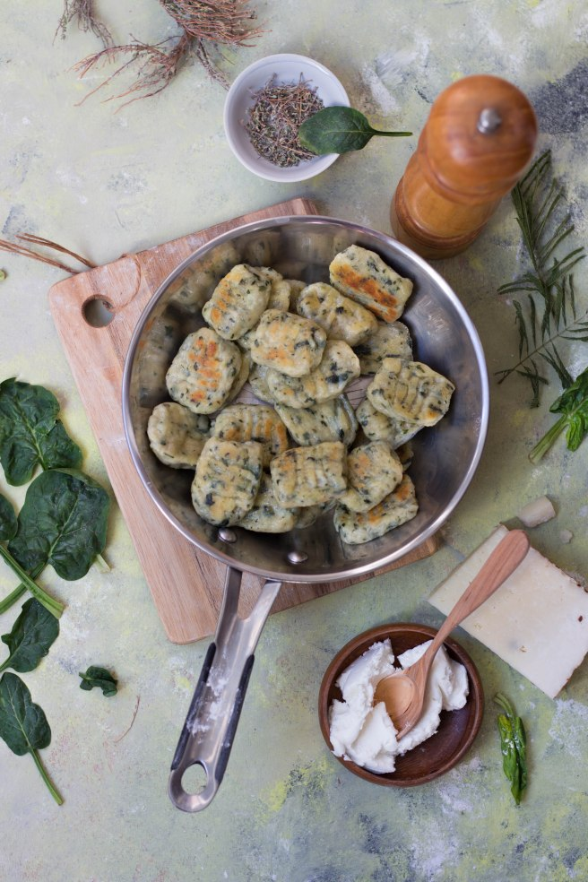 Gnocchis épinards et chèvre et sauce au parmesan - photography