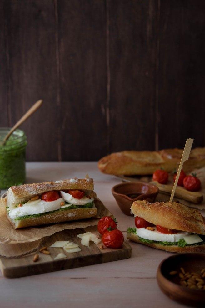 Sandwich de voyage aux saveurs d'été - Street food photography