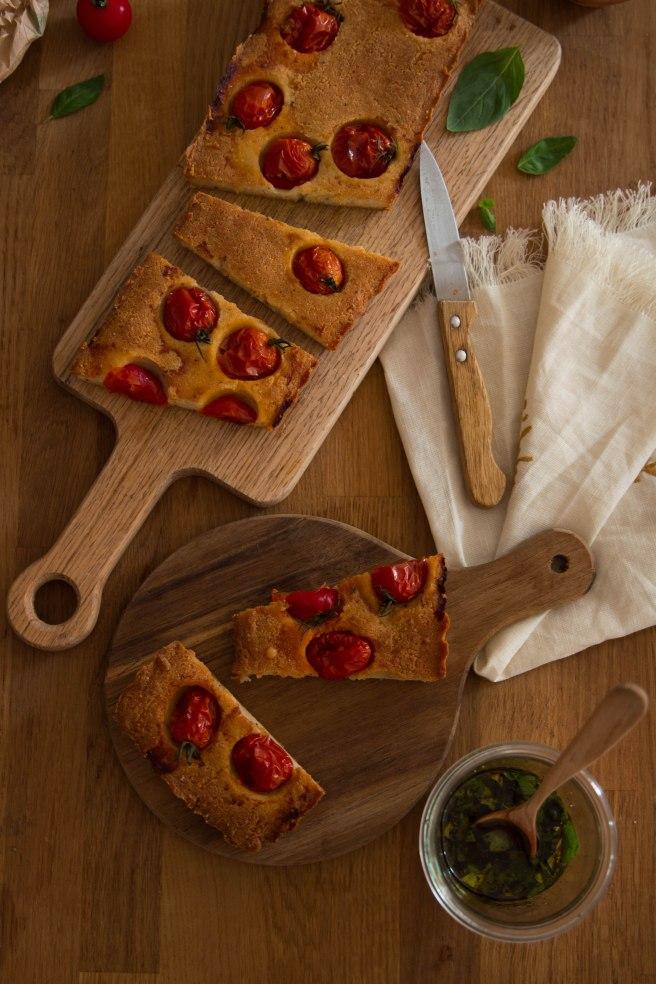 Financier salé à partager au parmesan et tomtates cerises - photography