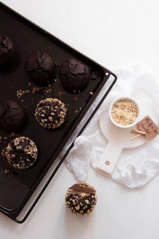 Le muffin moelleux au chocolat noir - photography