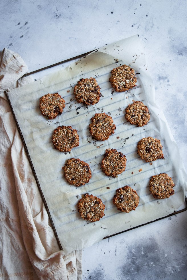Cookies healthy aux flocons d'avoine, sésame et chocolat - photography