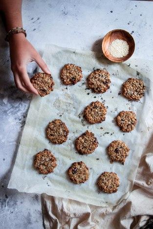 Cookies healthy aux flocons d'avoine, sésame et chocolat - photography