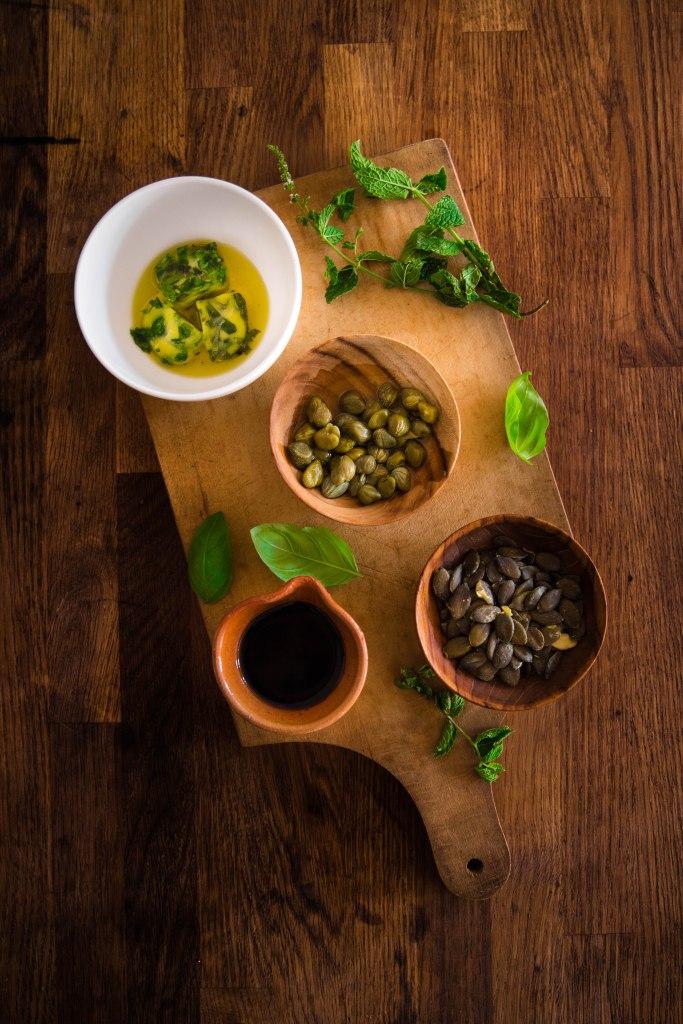 Salade de pâtes estivale à la courgette et feta et vinaigrette de câpres - photography