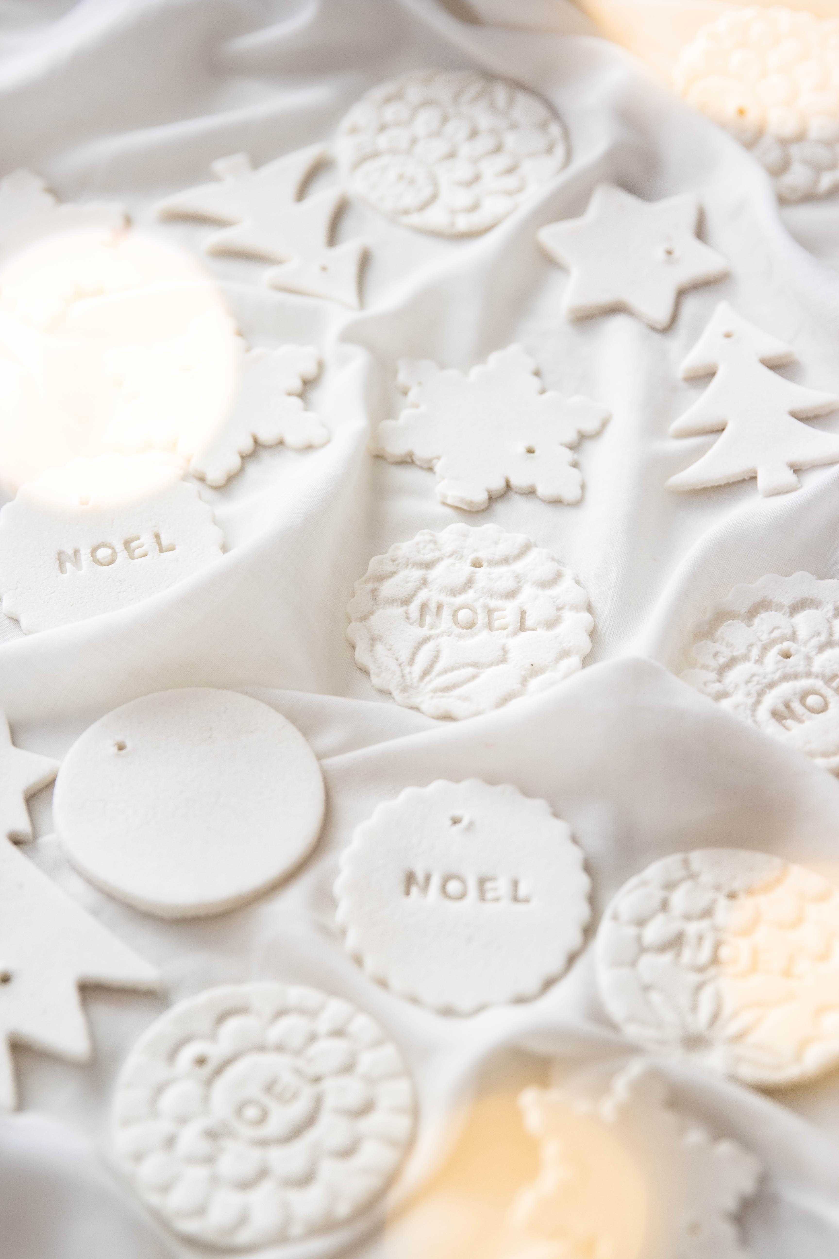 Comment réaliser des décorations de Noël en plâtre alimentaire - DIY de Noël