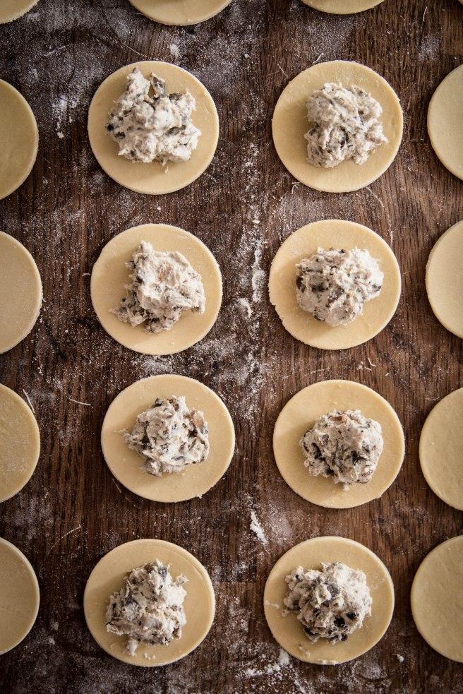 Comment faire ses ravioles maison ? - Ravioles aux champignons et chèvre - photography