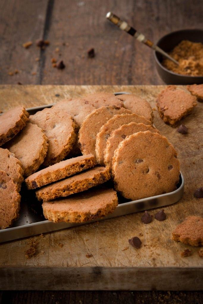 Spéculoos aux pépites de chocolat noir - biscuits photography