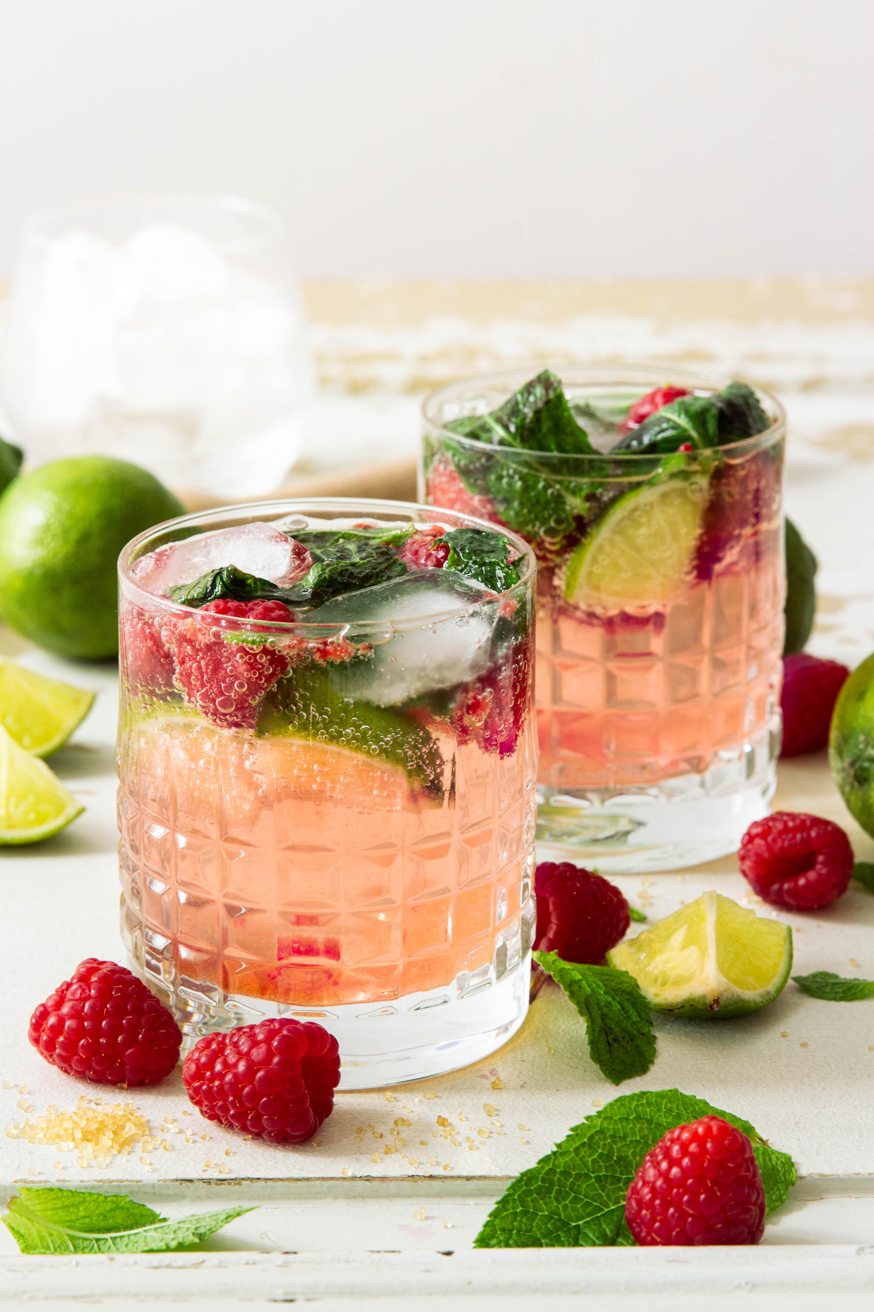 Mojito aux framboises et citron vert - cuban cocktail photography